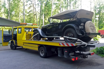 This 1927 Packard was delivered by our transport truck to private car museum